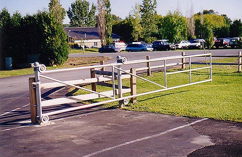 Commercial Amp Residential Chain Link Fencing