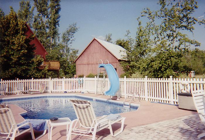 pool-picket-fence